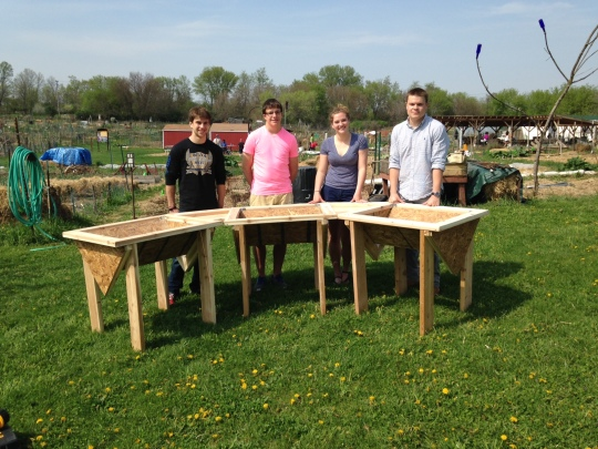A beautiful, accessible raised bed, designed and crafted by UW engineer students for G4G!